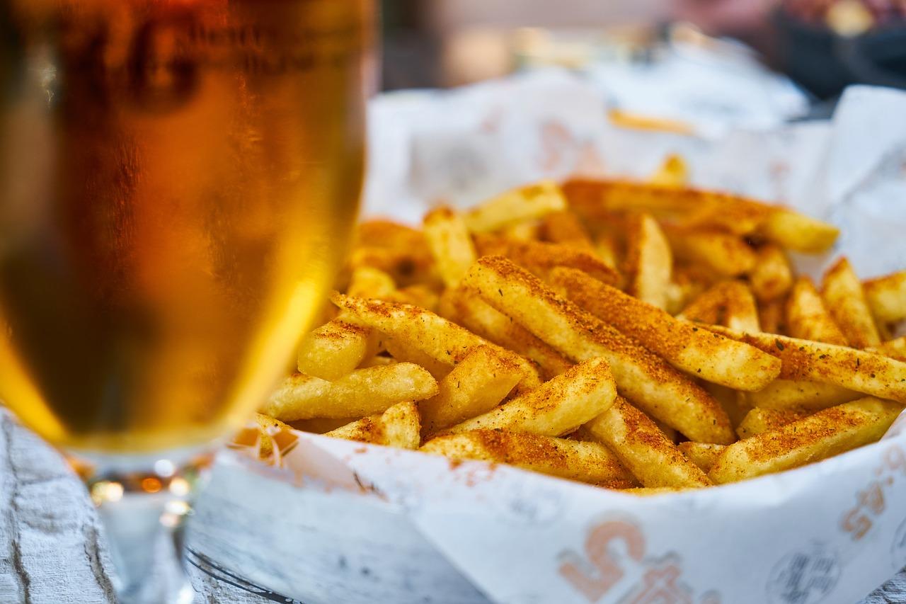 Bier und Fritten