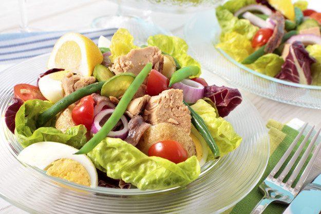 tuna-salad-presentation_1147-489.jpg